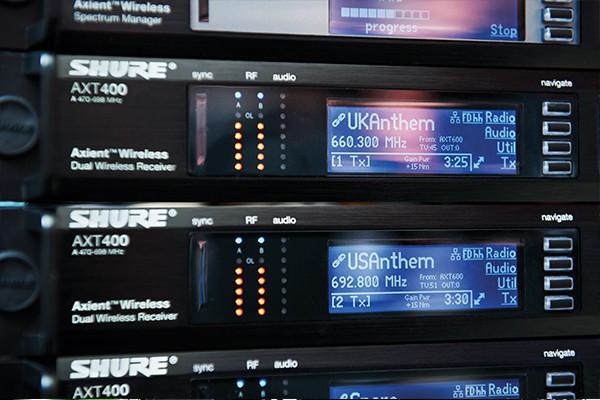 AXT620  AXT620 Conmutador Ethernet con servidor DHCP a bordo con 9 puertos y montura de rack